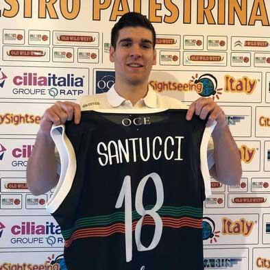 Matteo Santucci mostra la maglia di Palestrina