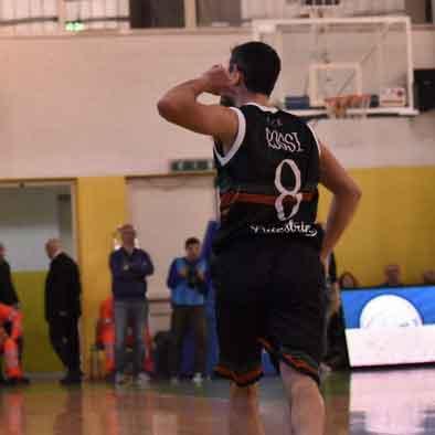 Gianmarco Rossi esulta a Napoli